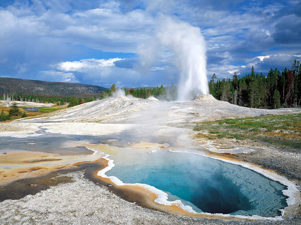 Yellowstone national park - national park in united states - thousand